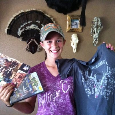 The Little Gal with her Skull Bound TV season 1 & T-shirt