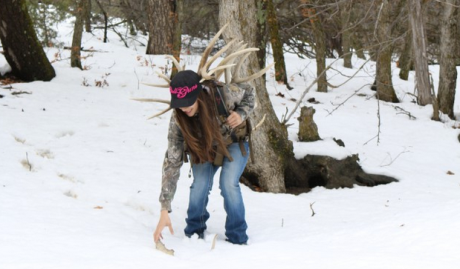 shed-hunting-in-the-snow-by-Mia-Anstine
