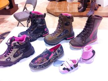 Girls-with-guns-womens-hunting-boots-camo-Mia-Anstine-photo