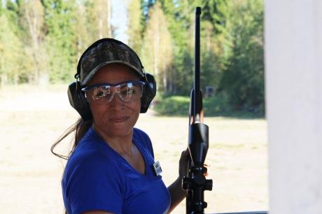 mia-anstine-with-sako-85-hunter-rifle